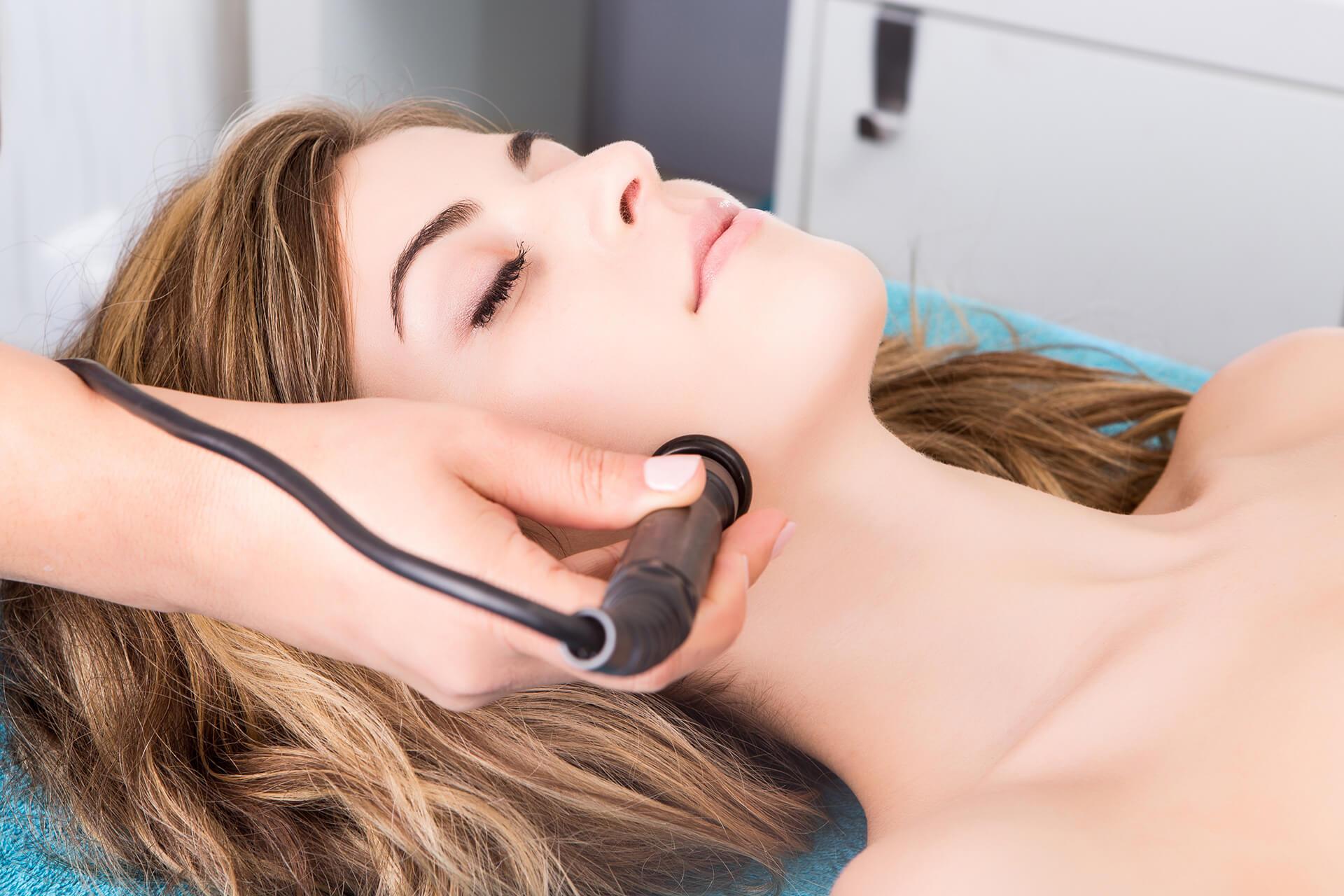 雷射光療-尼斯診所-除皺-緊實-塑顏拉提-改善肌膚問題